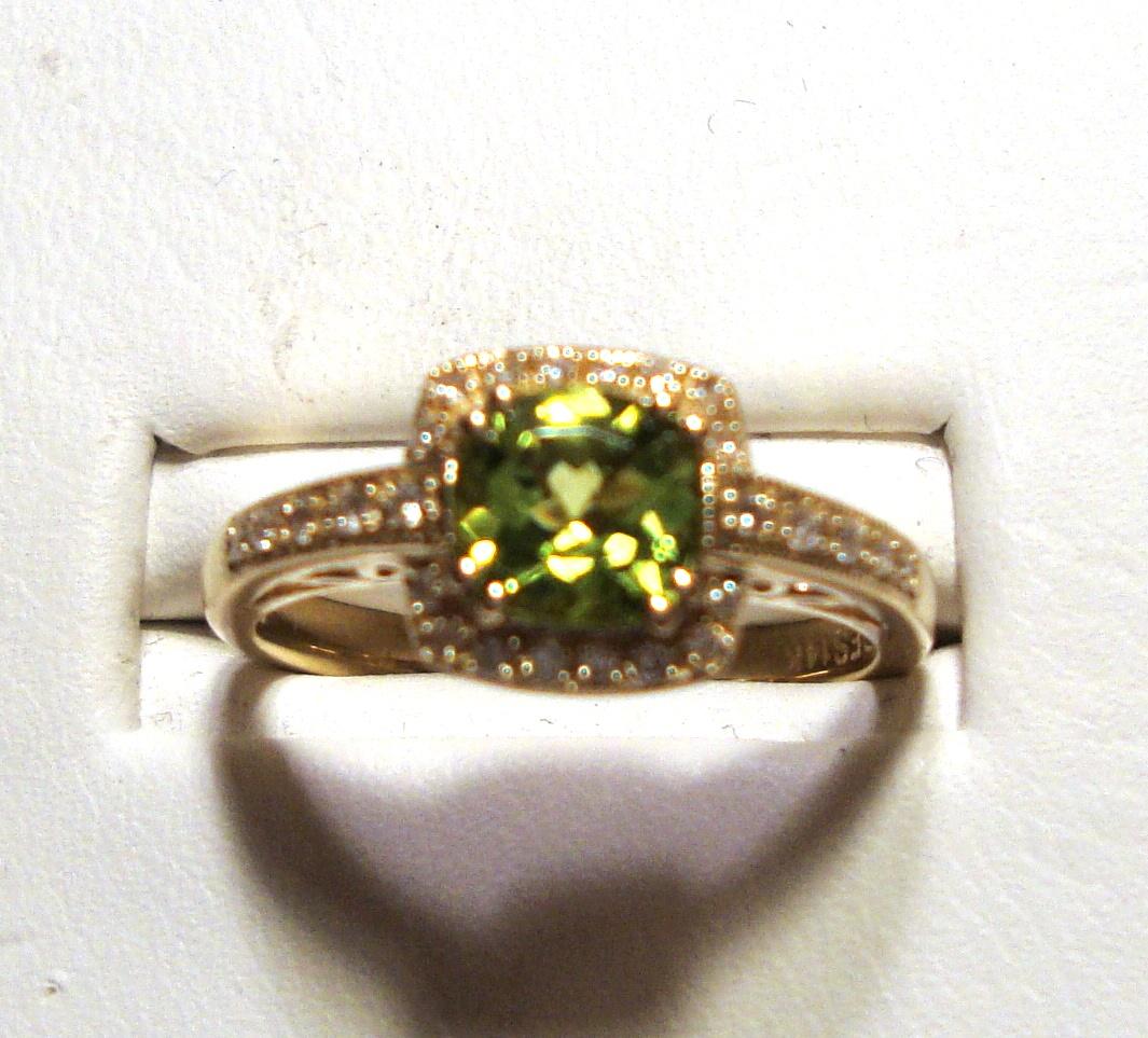 Peridot & Diamond Gold Ring 0.91Ct 14K Yellow Gold Size 7.0