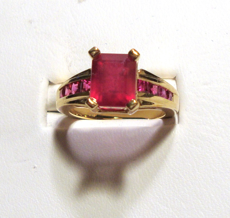 Unique Ruby Gold Ring 3.98ct VS1 Clarity Size 6.00