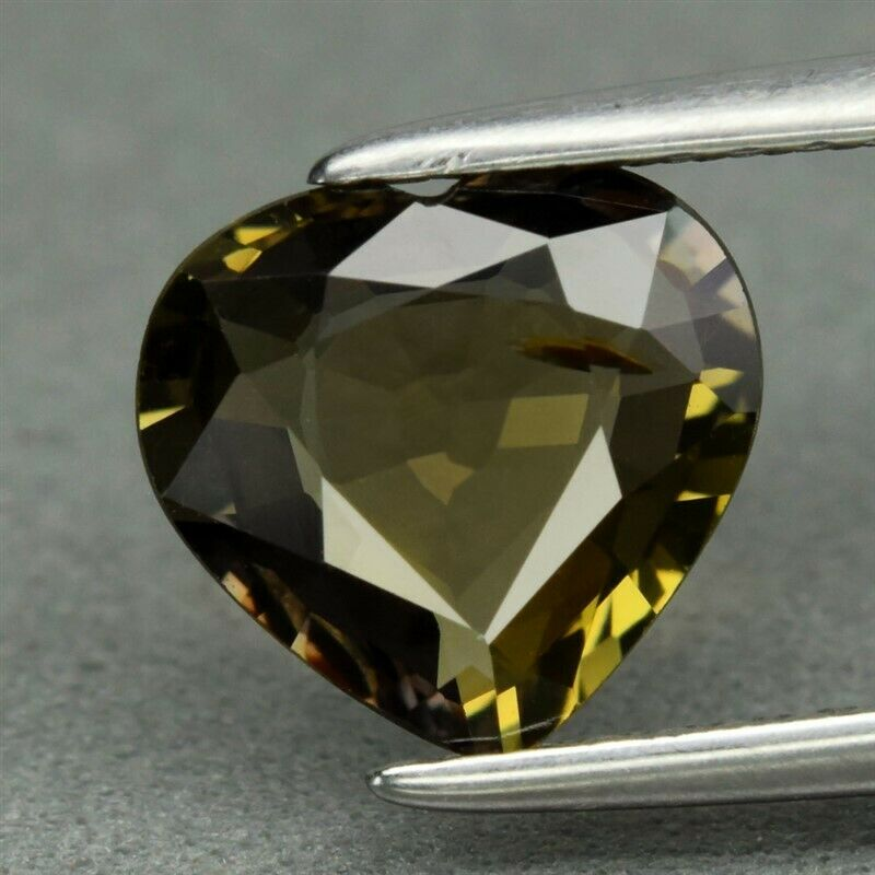 Genuine 100% Natural Green Sapphire 1.55ct 7.8 x 7.4mm Heart VVS Clarity