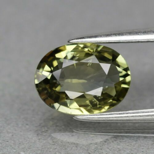 Genuine 100% Natural Green Sapphire 1.62ct 8.2 x 6.2mm Oval SI1 Clarity