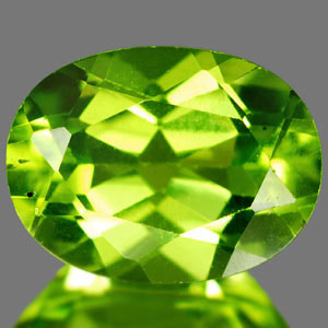Genuine 100% Natural PERIDOT 1.40ct 8.1 x 6.1 x 4.1mm Oval