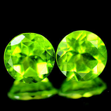 Genuine 100% Natural (2) Peridot 2.85ct 7.0 x 7.0mm Thailand SI